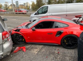 Porsche GT2 RS crash