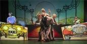 A tizennégy karátos autó című zenés színházi produkciót mutatják be a Városmajorban