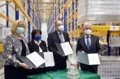 A Béres Gyógyszergyár 81.720 üveg Béres Cseppel támogatja a pedagógusok egészségét